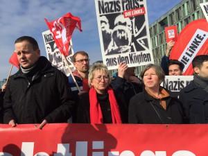 Klaus Lederer, Eva und Katrin Lompscher protestieren gegen rechte Hetze (Foto: Privat)