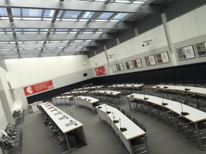 Noch sind die Plätze im Clara-Zetkin-Saal leer (Foto: Privat)
