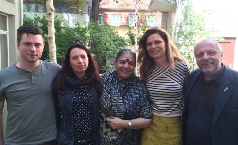 Prominentes Bündnis gegen die Fusion von Bayer und Monsanto: Antonius Michelmann, Dr. Steffi Ober, Dr. Vandana Shiva, Sarah Wiener, Bernward Geier