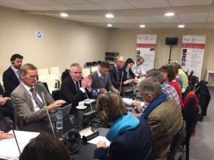 Staatssekretär Flassbarth erklärt die Klimaweltpolitik. Foto: privat