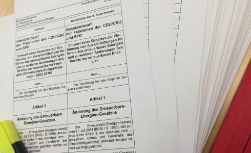 Der Änderungsantrag der Koalition zum EEG kurz vor der Ausschusssitzung (Foto: Privat)